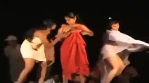 Hindus undress and dance naked right on the stage