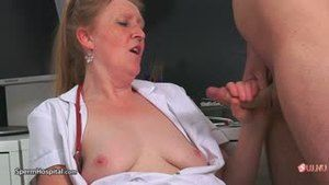 Perverted gilf masturbates patient in a sperm bank