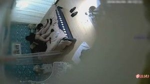 Chinese programmer and his girlfriend fuck in the hotel