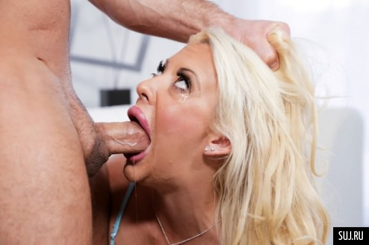 Beautiful Bunny Bridgette B In Sloppy Deepthroat Porn 1